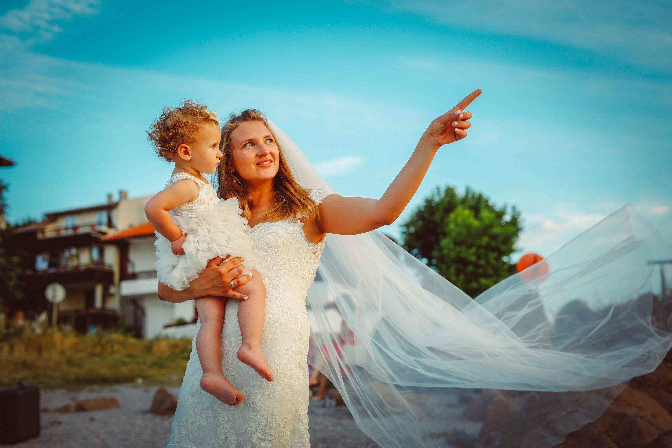 Сватбата на Христо и Ана в Бургас - сватбен фотографот студио Скайвю, Пловдив